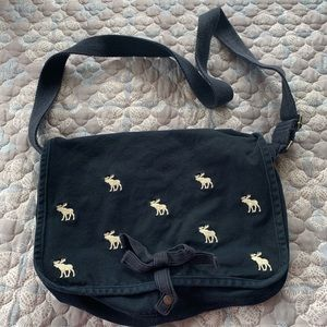 Abercrombie Kids messenger bag